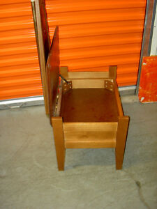 1950 Classic Clothes Horse  with Drawer to store items West Island Greater Montréal image 3