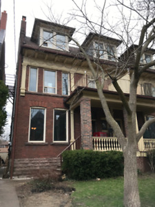 A Great 2 bedroom 1.5 floor apt. on Beautiful st King Dufferin
