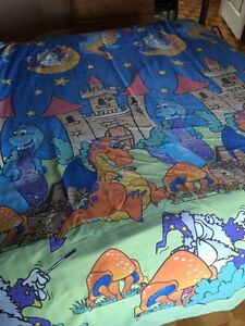 Lot d'ensemble  de lit simple médiéval pour enfant +accessoires