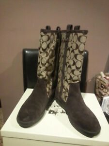 Authentic Coach Brown Khaki Signature and Suede Boots Size 6.5
