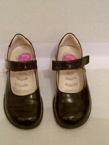 Primigi Classic Black Patent Leather Mary Jane's Girls Size 12
