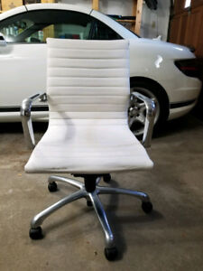Office Computer Chair White/Chrome Faux Leather with Wheels