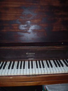 Upright piano for FREE ~