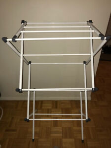 Collapsable metal laundry / clothes rack