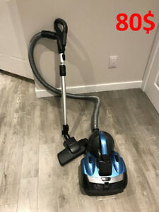 Vacuum Samsung VCF500G Canister - No bags needed! 80$