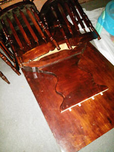 Solid wood table with 6 chairs London Ontario image 1