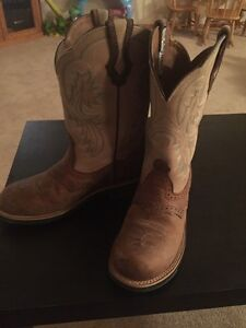 Woman's ariat boot