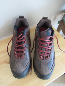 Sketchers Composite Toe Work Shoe - Brand New Condition