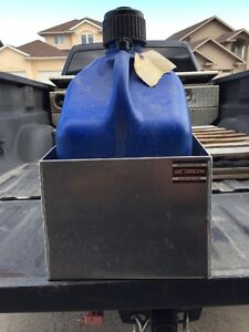 Race gas can holder