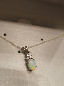 BRAND NEW in gift box - White Opal & Sterling Silver Necklace