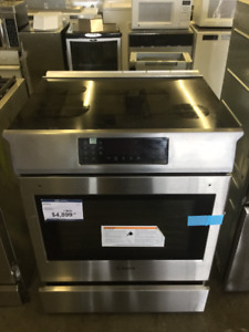 """** 32"""" Bosch Lovely Stainless Steel Brand New Glass Top Stove**"""