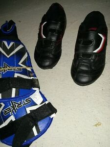 Kids Soccer Shoes like new with shinguards size 6