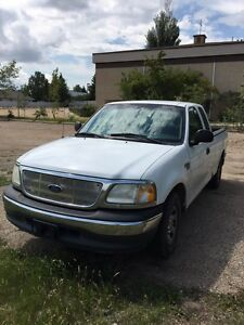 FORD F-150(2001)