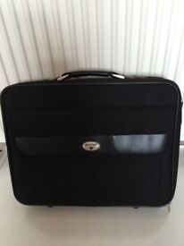 Antler quality laptop bag, quick sale at only £20,first to see buys as new, costs £69.95