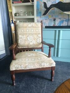 ANTIQUE READERS CHAIR $150