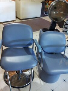 HYDRAULIC STYLISTS CHAIR AND DRYER CHAIR: LIKE NEW Kitchener / Waterloo Kitchener Area image 1