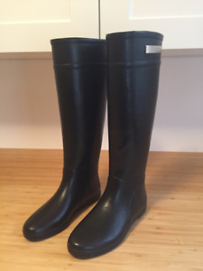 NEW Women's Designer Boots by Alice & Whittles   7 US 8 EU