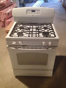 3 year old GE gass stove