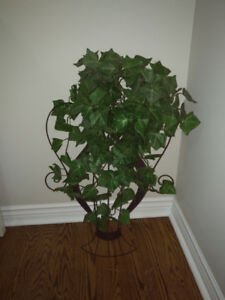 Great for any Hallway or any room ~ Wall Urn with Trailing  Ivy