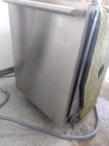 Electrolux Dishwasher in great condition but needs a few parts