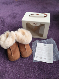 Childs UGG boots size S