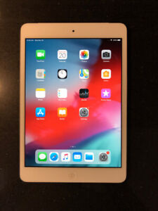 Apple iPad Mini 2 with cellular (4G, 3G), Silver, no scratches