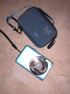 Canon powershot SD1200 IS digital elph with case