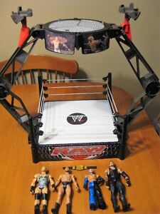 WWE WRESTLING RING WITH WRESTLERS