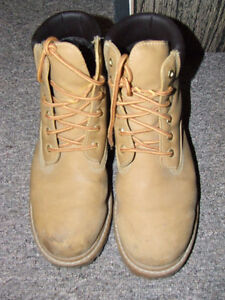 Penmans Boots - Used, but still in GOOD Shape !!! - $12.00