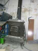 Antique Wood Burning Stove..need to go ASAP