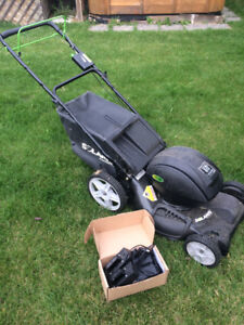 Solaris battery powered lawn mower