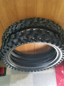 Dinlup motocross tire set
