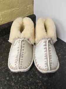 AUTHENTIC SHEEP SKIN SLIPPERS
