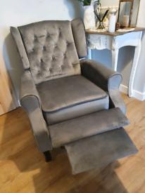 Beautiful velvet recliner Wings armchair