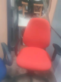 Operator office chair with adjustable armrests