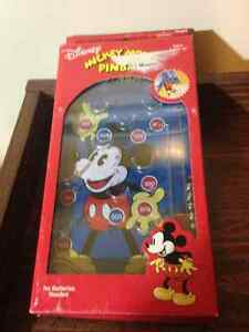 Mickey Mouse travel pinball game