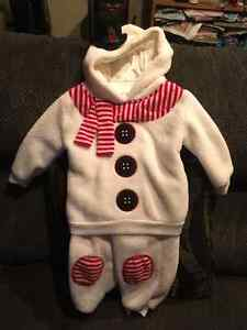 Adorable Snow Man Outfit Size 18 - 24 Months
