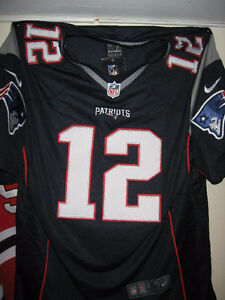 FOOTBALL NFL JERSEY #12 TOM BRADY NEW ENGLAND PATRIOTS