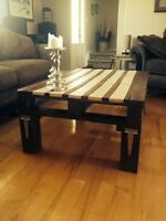 Reclaimed wood pallet coffee table