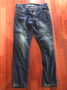 Bull-it Motorcycle riding jeans with hip and knee armour