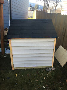 LARGE DOG HOUSE brand new