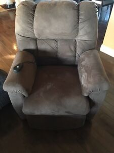 Power Lift Recliner/Chair
