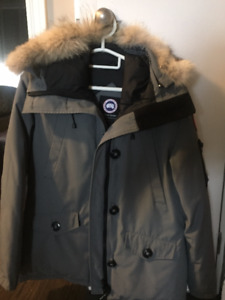 Women's Canada Goose jacket for sale!