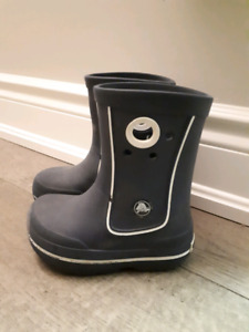 Crocs kids rainboots size 8
