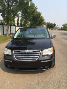 2008 Chrysler Town & Country Limited accident free