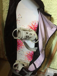 Simms Snowboard with bindings (will throw in bag as well)