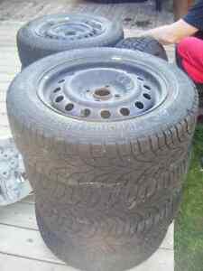 4 pneus d'hiver + jantes 185/65 R15 T  XL Gislaved