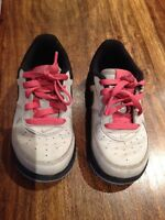 Nike shoes/chaussures - US size 7C - perfect condition