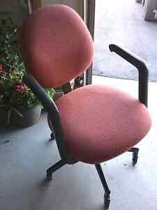Office Chair, Fully Adjustable Peterborough Peterborough Area image 1