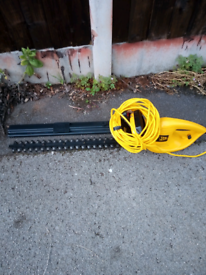 Hedge Trimmer 240v JCB . 24 inch Great Condition with sleeve